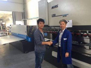 پرس قبرس بازدید ماشین آلات ترمز و دستگاه برش در کارخانه ما