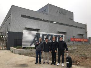 مشتریان روسیه ماشین خم ماشین دو طرفه را در کارخانه ما می بینند