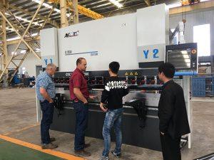ورق فولاد ضد زنگ CNC مطبوعات قیمت دستگاه تراشی برای فروش