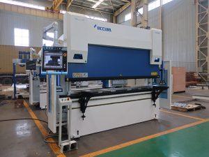 Wc67y-125t / 2500 هیدرولیک پرس ورق خم کن دستگاه تراش با قیمت مناسب
